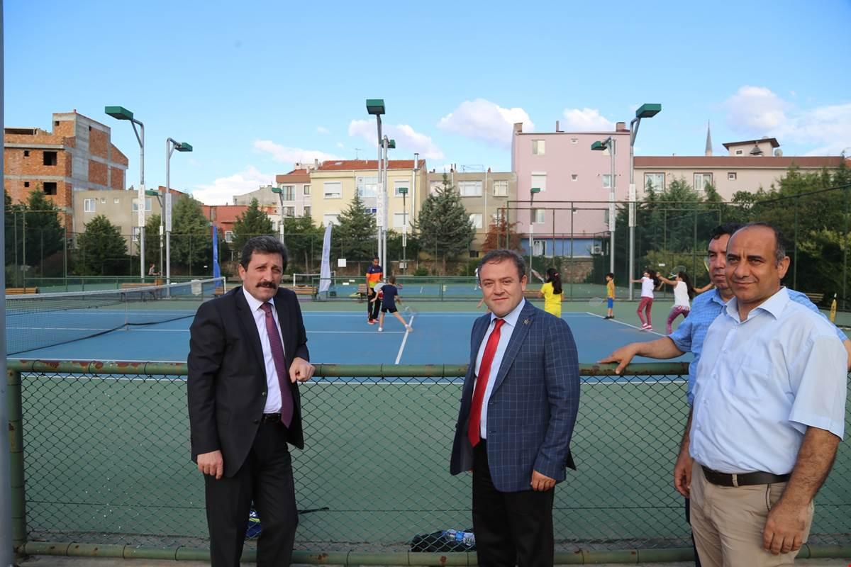 Gençlik Hizmetleri ve Spor İl Müdürlüğü Spor Merkezi Kursları Başladı