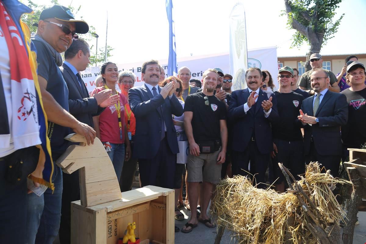 TRUVA Atı Maketleri Kordonda Büyük İlgi Görüyor