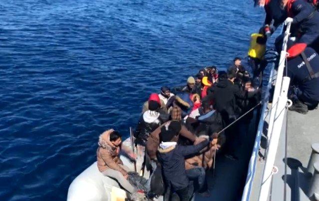 196 Göçmen Sahil Güvenlik Ekiplerince Kurtarıldı