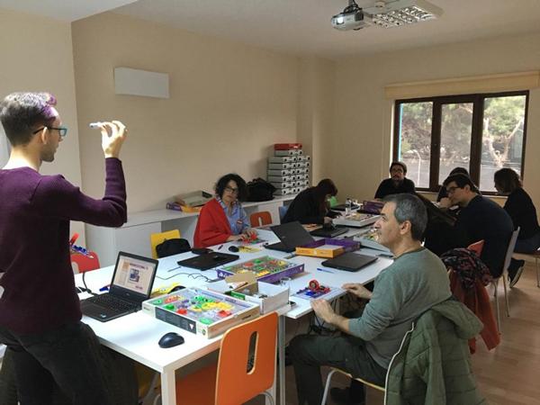 Çocuk Kültür Evi'nde Robotik/Maker Eğitici Eğitim
