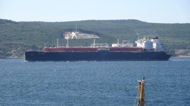 290 Metrelik Dev Tanker Çanakkale Boğazını Kapattı