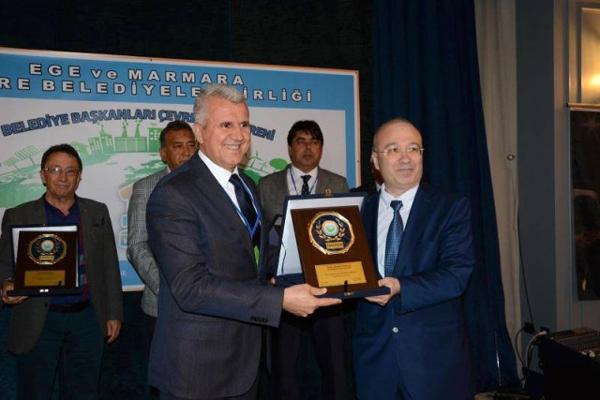 Başkan Karataş'a Yılın Çevre Dostu Ödülü