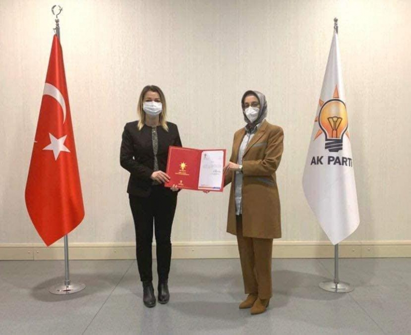 AK Parti Çanakkale İl Kadın Kolları Başkanı Özlem Karadayı Oldu