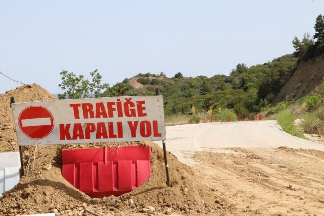 Anzak Koyu Yolu, Heyelan Riski Nedeniyle Trafiğe Kapatıldı