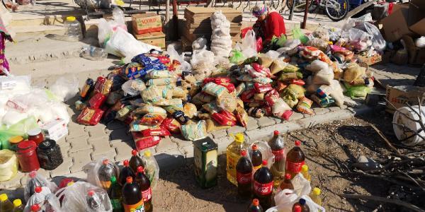 Ayvacık'taki Depremzede Yörüklerden İzmir'e Yardım Eli