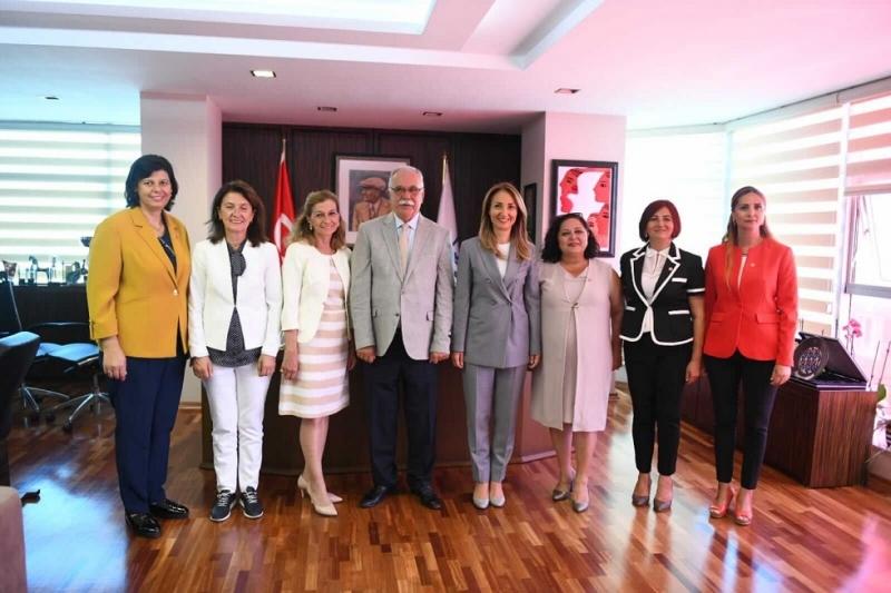 Başkan Gökhan, CHP Kadın Kolları Genel Başkanı Nazlıaka'yı Ağırladı