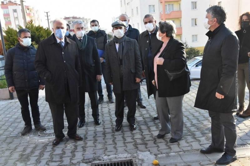 Başkan Gökhan, Vali Aktaş İle Birlikte Esenler Pazarını Ziyaret Etti