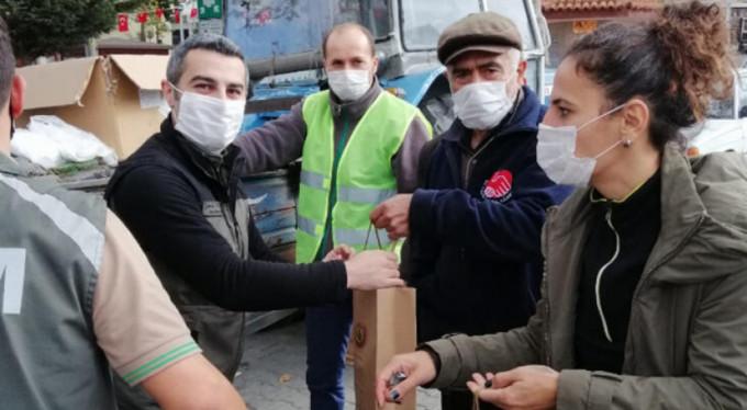 Bayramiç'te Vatandaşlara 2 Bin Fıstık Çamı Fidanı Dağıtıldı