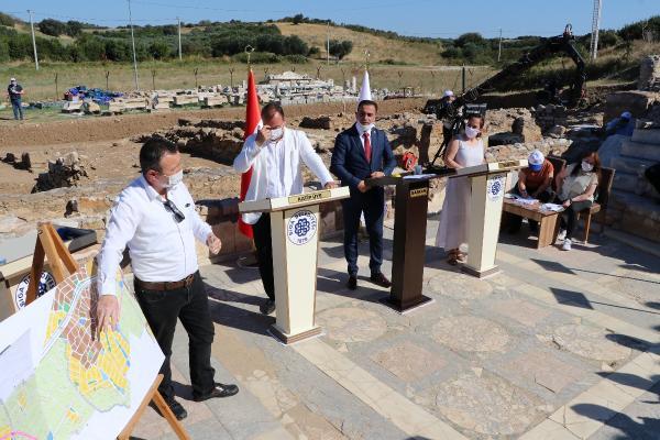 Biga Belediye Meclisi, 2 Bin 800 Yıllık Parion Antik Kenti'nde Toplandı
