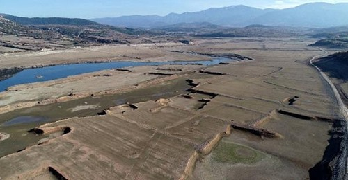 'Bin Pınarlı İda'dan Beslenen Bayramiç Barajı Kuruma Noktasına Geldi