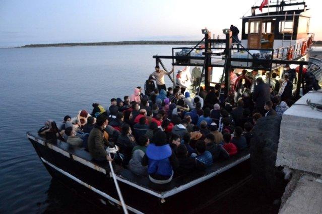 Bozcaada Açıklarında, Teknede 144 Kaçak Göçmen Yakalandı