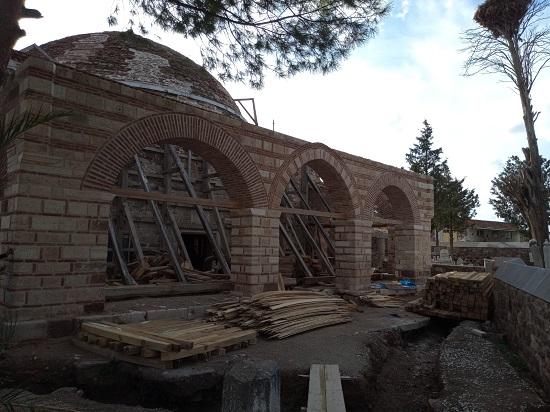Bülent Turan: 'Murat Hüdavendigar Camii ve Külliyesi'nde Restorasyon Çalışmaları Devam Ediyor'