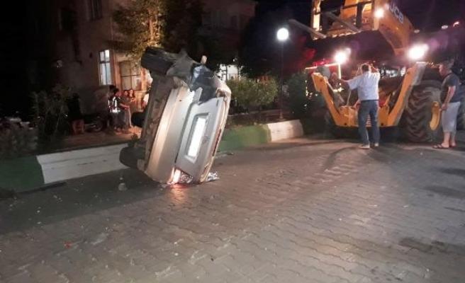 Çanakkale Bayramiç'te İki Otomobil Çarpıştı:1 Yaralı