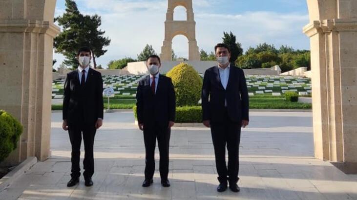 Çanakkale Valisi İlhami Aktaş, Şehitlikleri Ziyaret Etti