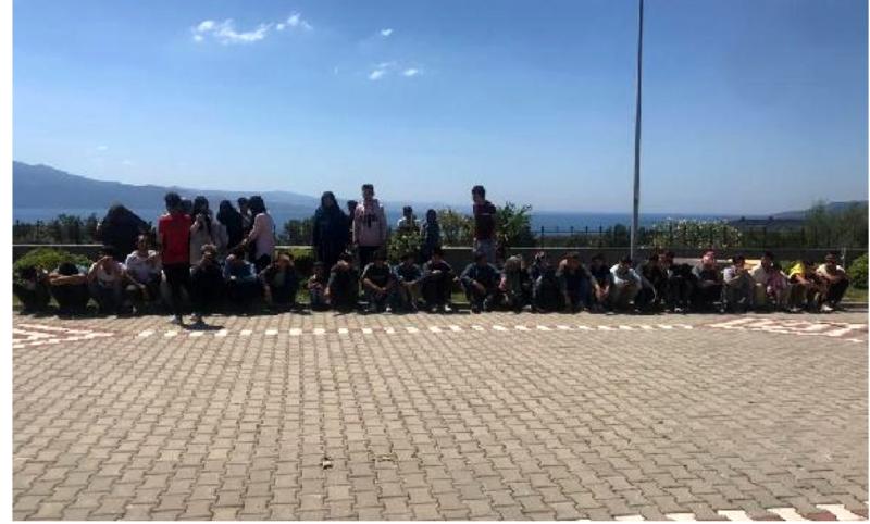 Çanakkale'de 201 kaçak yakalandı, 2 organizatör tutuklandı