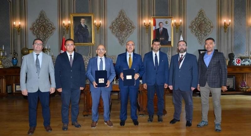 ÇOMÜ ve İstanbul Üniversitesi Gözlemevleri Arasında İş Birliği Protokolü İmzalandı