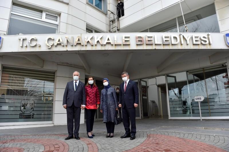 Davutoğlu'ndan Başkan Gökhan'a Ziyaret