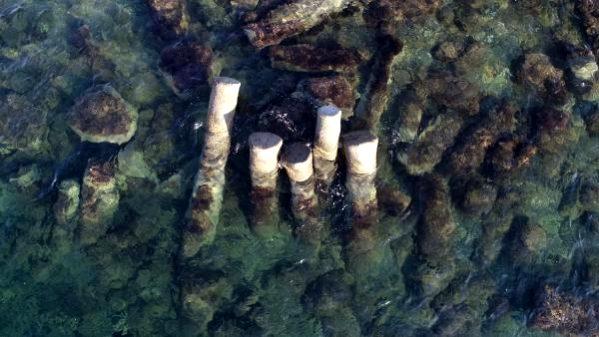 Denizdeki 2 Bin Yıllık Granit Sütunlar İlgi Görüyor