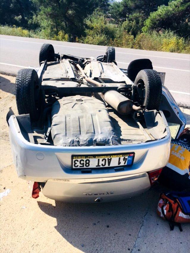 Ezine'de Trafik Kazası: 3 Yaralı