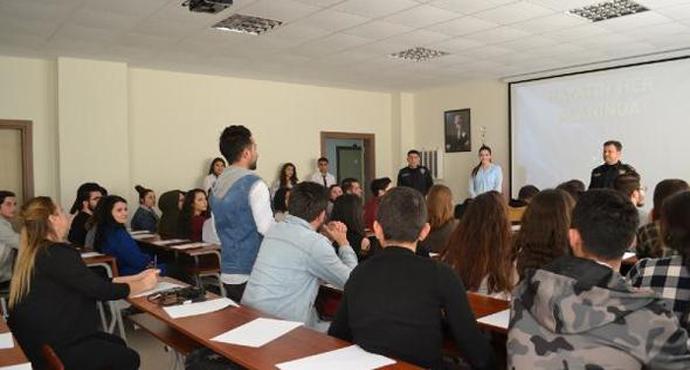 Gelibolu'da öğrencilere polislik mesleği anlatıldı