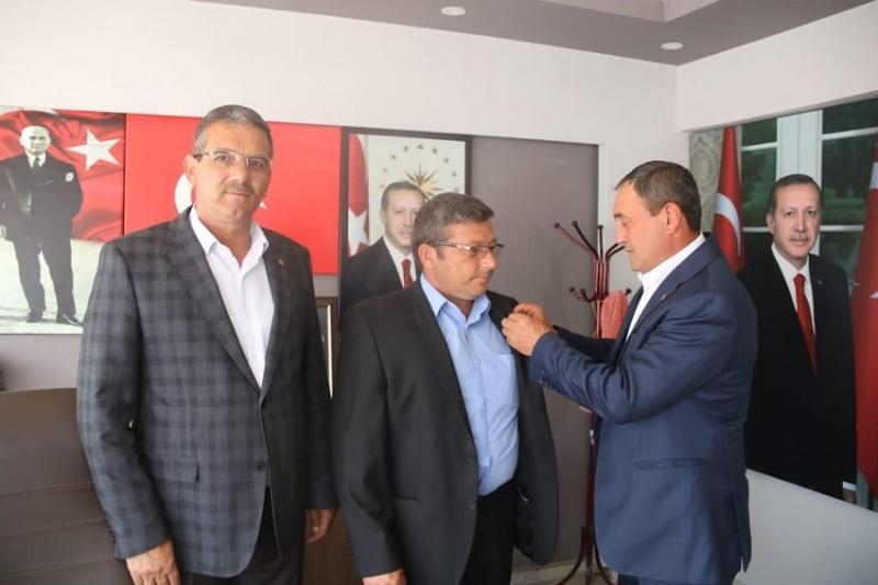Geyikli'de CHP'de İki Dönem Belde  Başkanlığı Yapan Şükrü TAŞKIN Partisinden İstifa Ederek AK Parti Ailesine Katıldı