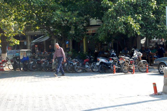 Kahvehanedeki silahlı kavgada iki kardeş yaralandı