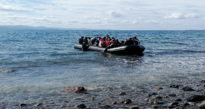 Kapılar Açıldı, Mülteciler Ayvacık'tan Botlarla Midilli Adası'na Geçmeye Başladı