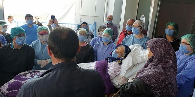 Koronavirüsü Yenen 92 Yaşindaki Bahriye Kaya, Hayatini Kaybetti