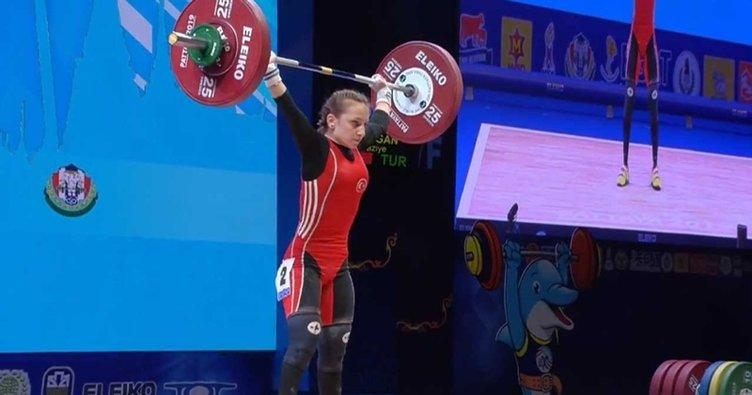 Milli Halterci Şaziye Erdoğan Dünya Şampiyonu