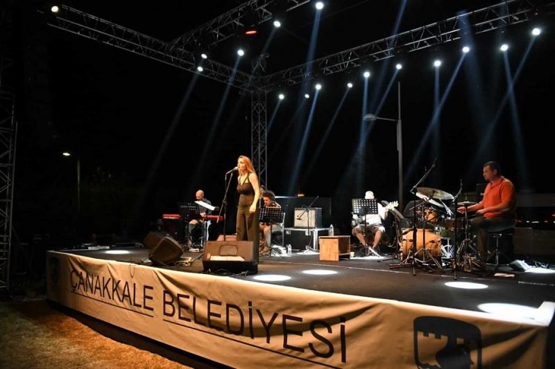 Müzik Geceleri Jülide Özçelik, Foya ve Sarpedon Konserleri İle Devam Etti