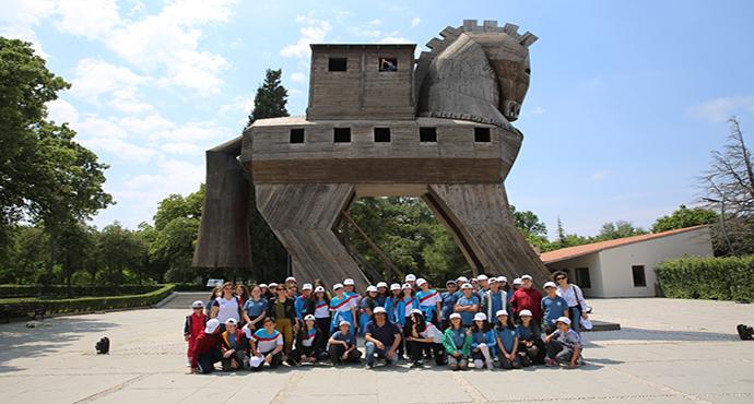 OPET'in 'Arkeo-Köy'ü Tevfikiye'de öğrencilere arkeolojik kazı atölyesi