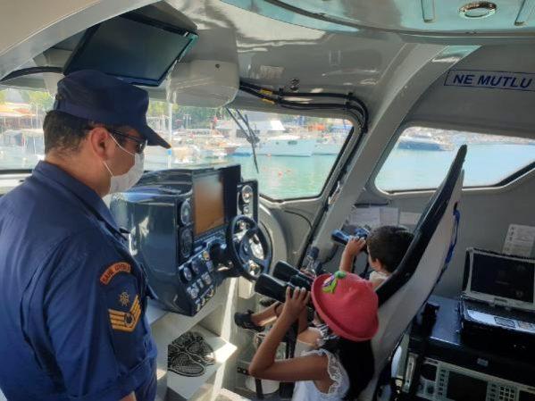 Sahil Güvenlik 4 Yaşındaki Ayaz'ın Hayalini Gerçekleştirdi