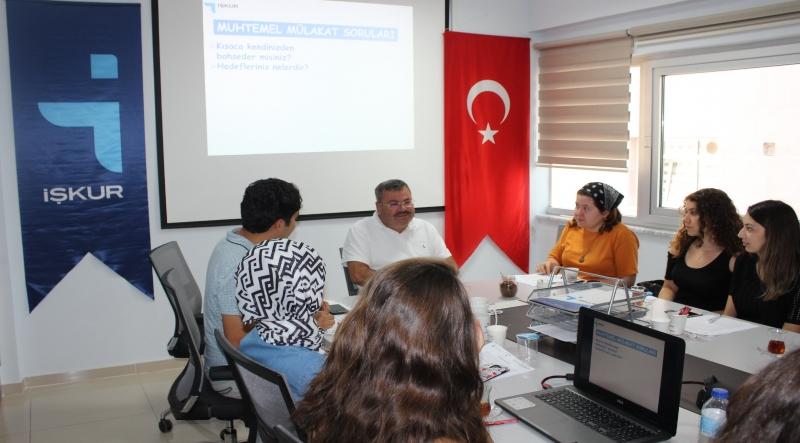 Sosyal Çalışma Öğrencilerine İş Kulübü Eğitimi Verildi