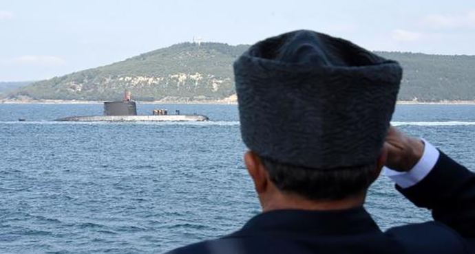 TCG Dumlupınar denizaltısında şehit olan 81 asker için anma töreni