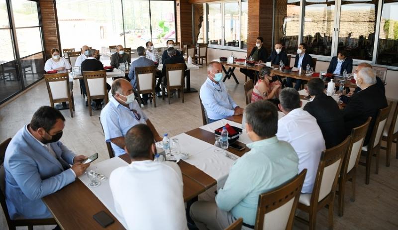 Turan ve Aktaş Assos'ta Otel İşlemecileriyle Bir Araya Geldi
