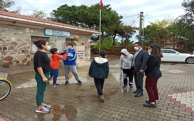 Vali Aktaş'ın Bozcaada Okul Ziyaretleri