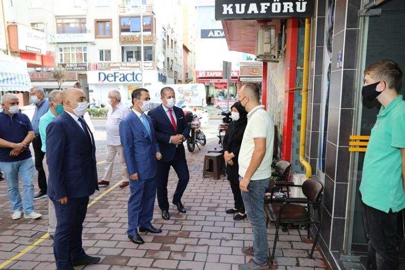Vali İlhami Aktaş, Ahilik Haftası'nda Esnafları Ziyaret Etti