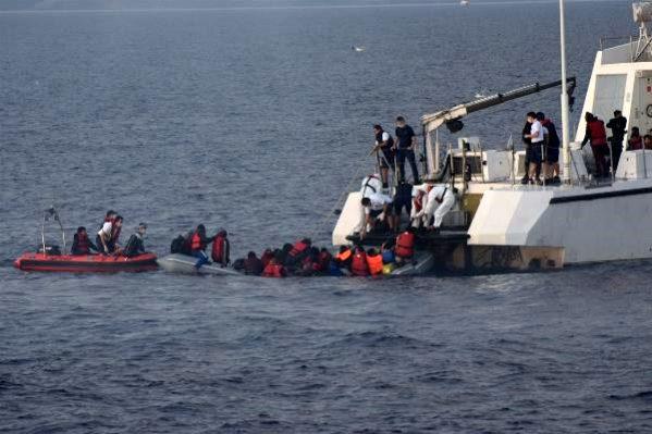Yunanistan'ın Ölüme Terk Ettiği 84 Kaçak Göçmen Kurtarıldı