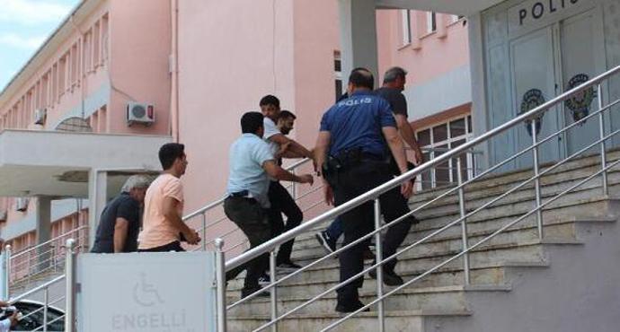 Hedef şaşırıp yüzbaşının aracına ateş açan 2 şüpheli tutuklandı