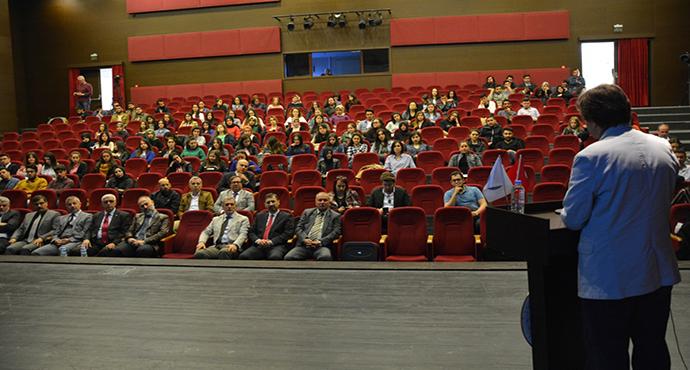 Osmanlı Diplomasi Mirası ve Türk Dış Politikası Konulu Konferans Gerçekleştirildi