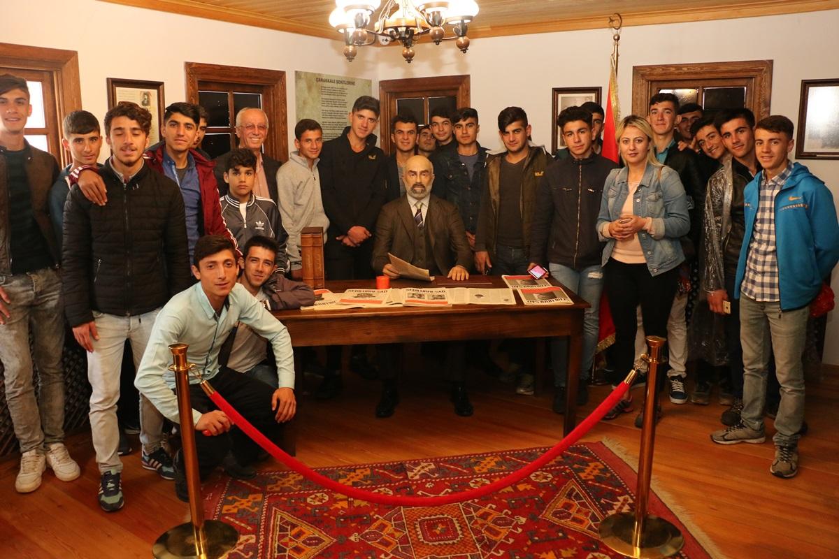 Tüm Türkiye Mehmet Akif İçin Bayramiç'te