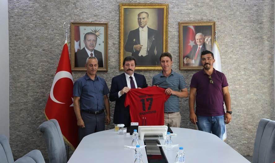 Kocatepe Gençlik ve Spor Kulübü Derneği'nden Vali Orhan TAVLI'ya Ziyaret