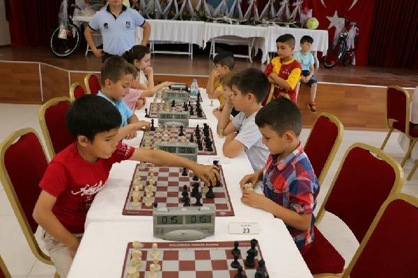 Bayramiç Belediyesi'nden Satranç Turnuvası