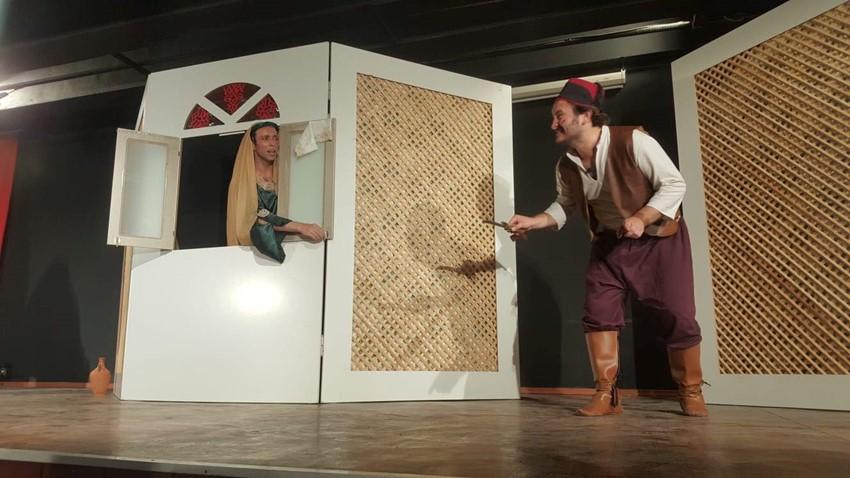Çanakkale Belediyesi Tiyatro Topluluğu Ortaoyunu İle Yeniden Sahne Aldı