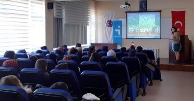 Aralık'ta 2500 Üniversite Öğrencisi İŞKUR Seminerlerine Katıldı