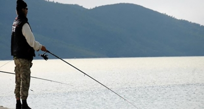 Av Yasağında Olta Balıkçısının Yüzü Güldü