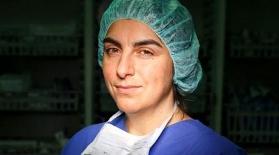 Avrupa'da Bir İlki Gerçekleştiren Türk Kadın Doktora Büyük Onur