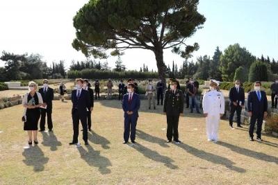 Avustralyalıların Lone Pine Anıtı'nda Anma Töreni