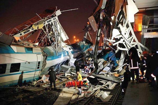 Ankara'da Büyük Tren Kazası 9 Ölü