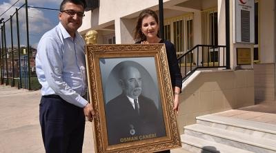 Başkan Bülent Öz'den Anlamlı Ziyaret, Hatırası Büyük Hediye